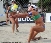 imagem de duas atletas