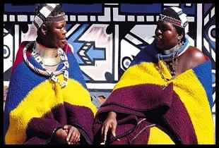 Vestimenta das mulheres de uma tribo sulafricana.