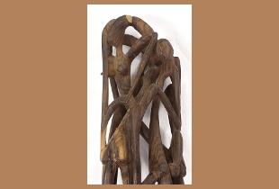 Detalhe de uma escultura africana.